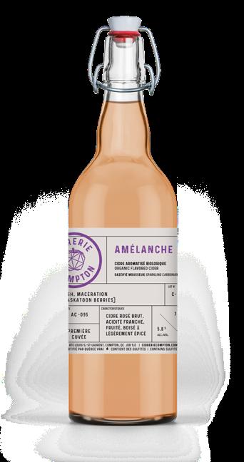 Cidre biologique Amélanche fait avec des pommes du Québec, vieilli en fût de vin rouge de la Cidrerie Compton
